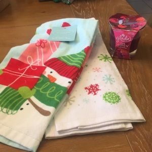New! Set of 2 Hand Towels and Scented Candle